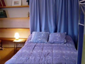 stay in Montpellier - bedroom