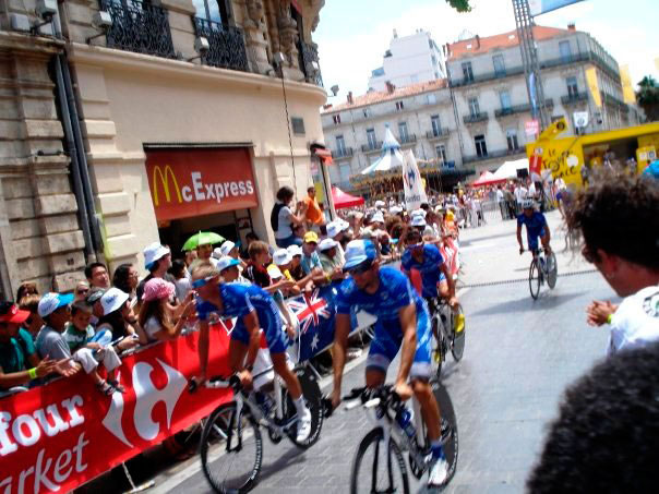 The tour de France passing through Place de la Comedie