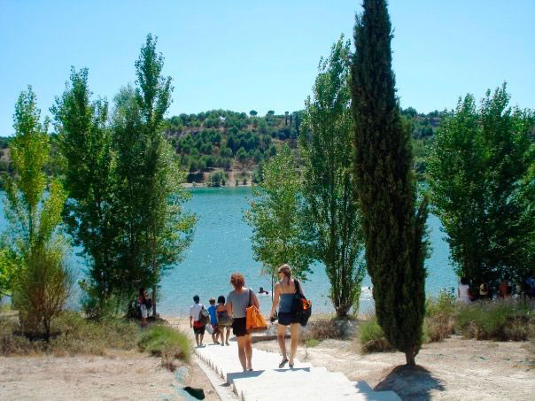 Cultural outing to a lake in the mediterranean